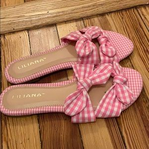 Never worn pink gingham vintage inspired sandals